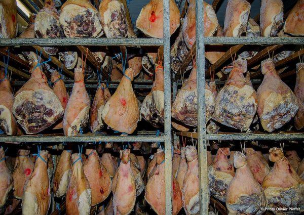 jambons 600x425 - Présentation